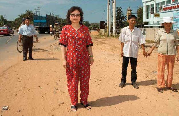 Ambasciatrice ritorna a Trang bang